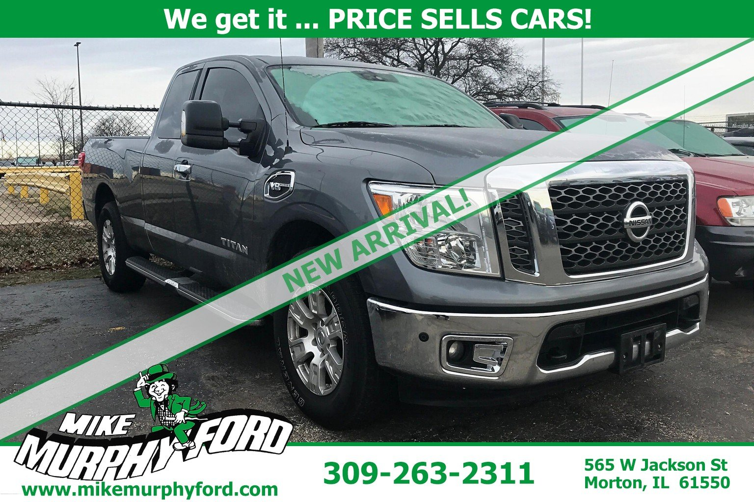 Pre-Owned 2017 Nissan Titan 4WDSV